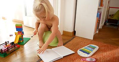 Barn les barnebok om potte